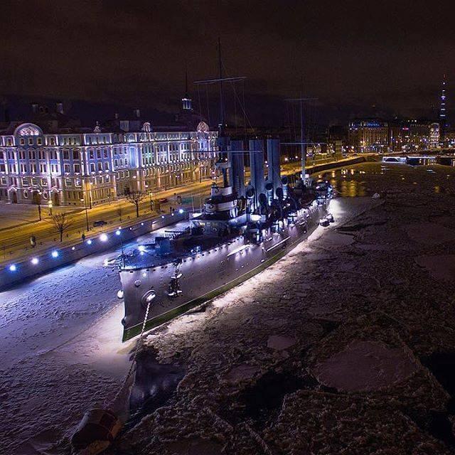 красивое фото крейсера Аврора